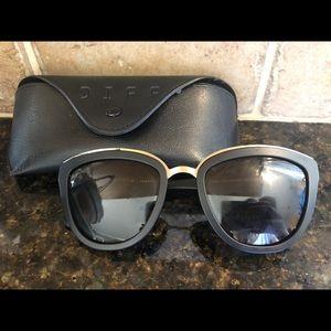 d1a9a5c31f8c1 Black Diff Eyewear Sunglasses!